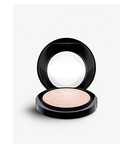 MAC Mineralize Skinfinish (Gold deposit