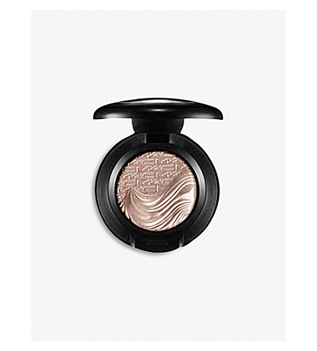 MAC Extra Dimension Eye Shadow (A+natural+flirt