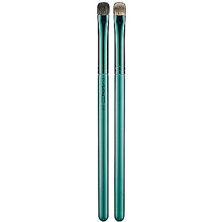 MAC 233 Split Fibre Eye Shadow Brush