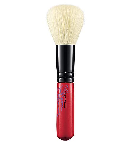 MAC Sharon 167SE Face Blender Brush