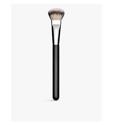 MAC Cheek brush