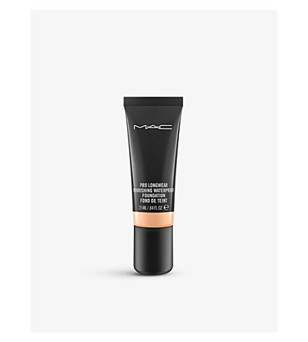 MAC Pro Longwear Nourishing Waterproof Foundation (N18