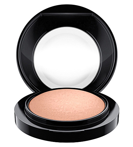 MAC Mineralize Blush (Cosmic+force