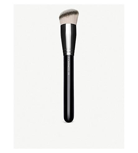 MAC 170 Rounded Slant Brush