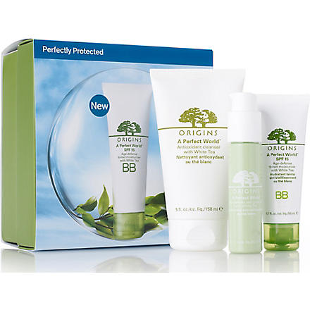 ORIGINS Limited Edition Perfectly Protected set - medium