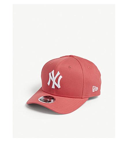 NEW ERA 9FIFTY 纽约洋基 snapback 帽 (珊瑚白