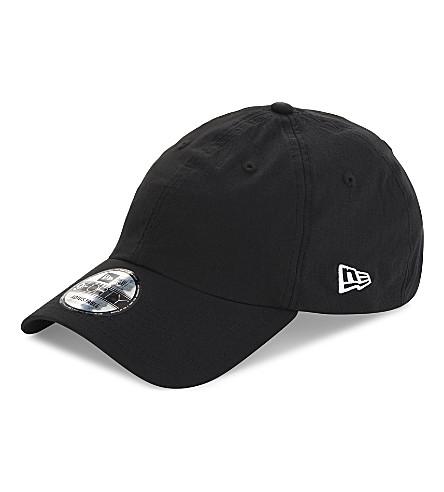 NEW ERA Side script snapback cap (Black+white