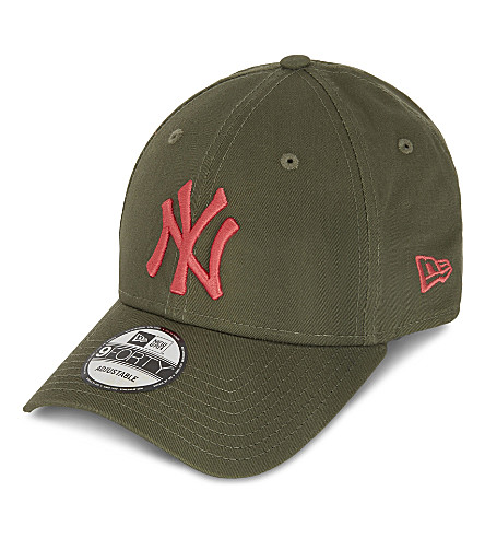NEW ERA 9FORTY New York Yankees strapback cap (Olive+lava+red