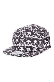 NEW ERA Jeremy Scott Skull Camper cap