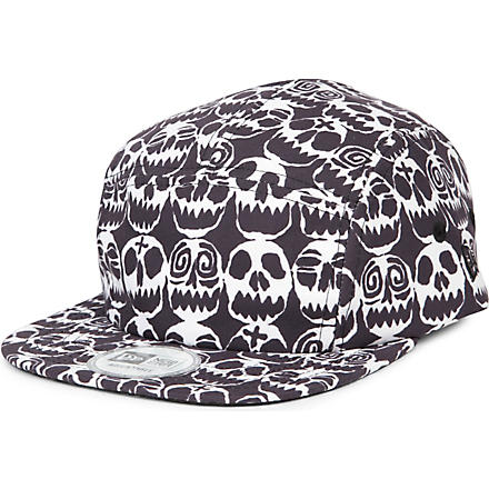 NEW ERA Jeremy Scott Skull Camper cap (Black/white