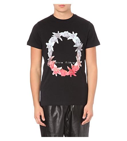 BLOOD BROTHER Etre Fière t-shirt (Black