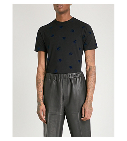 MCQ ALEXANDER MCQUEEN Swallow-flocked cotton-jersey T-shirt (Black+navy