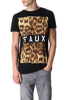 FRIEND OR FAUX Furs t-shirt