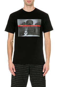 BLACK SCALE Red Line Skull Photo t-shirt