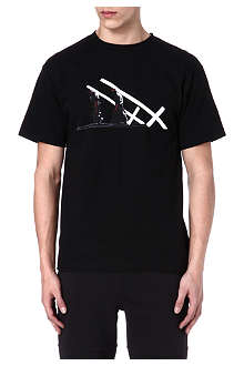 BLACK SCALE Repent Cross Carrier t-shirt