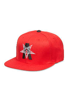 BLACK SCALE Abstract reality snap back
