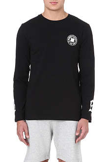 UNDEFEATED Badge long-sleeved top