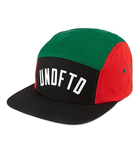 UNDEFEATED International Camp cap (Black