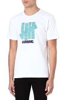 UNDEFEATED Gunning strikes t-shirt