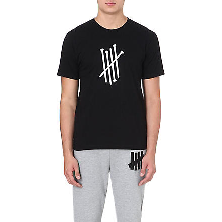 UNDEFEATED Nails Strike cotton t-shirt (Black