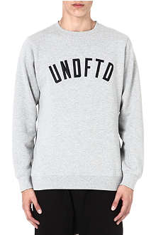 UNDEFEATED Arch logo sweatshirt