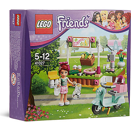 LEGO Friends Mia's lemonade stand