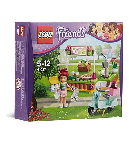 LEGO Friends Mia's lemonade stand