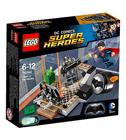 LEGO DC clash of the heroes set