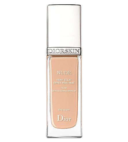 DIOR DiorSkin 裸自然辉光辐射流体基础 SPF 15 (客串