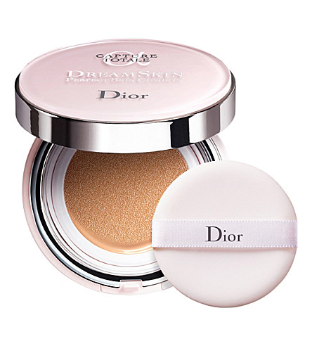 DIOR Cap Totale Cushion Foundation (021