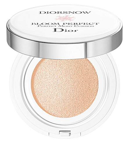 DIOR Diorsnow Bloom Perfect Brightening Perfect Moist Cushion SPF50 PA+++ (C03