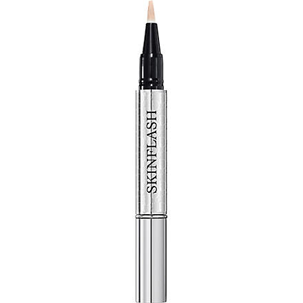 DIOR Skinflash radiance booster pen (Apricot glow