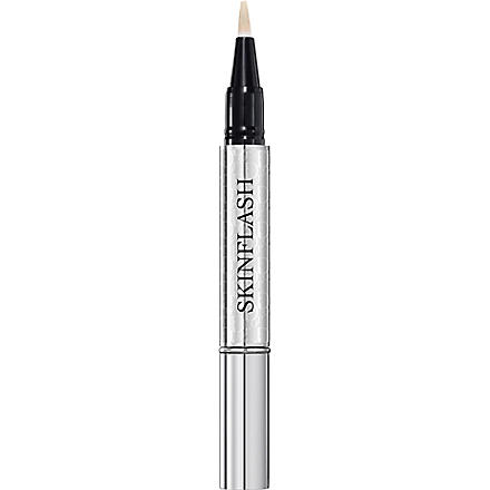 DIOR Skinflash radiance booster pen (Ivory glow