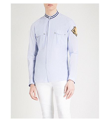 BALMAIN Badge-detail regular-fit cotton shirt (Bleu