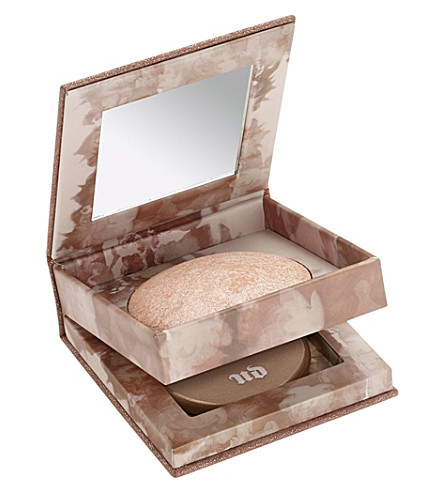 URBAN DECAY Naked illuminated powder in Luminous (Luminuous