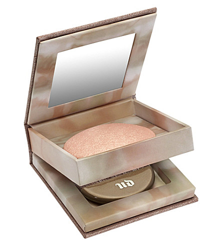 URBAN DECAY Naked Illuminated powder in Aura (Aura