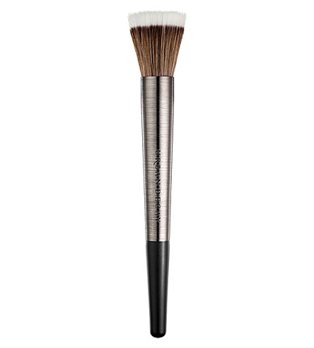 URBAN DECAY Finishing powder brush