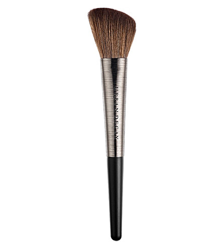 URBAN DECAY Diffusing blush brush