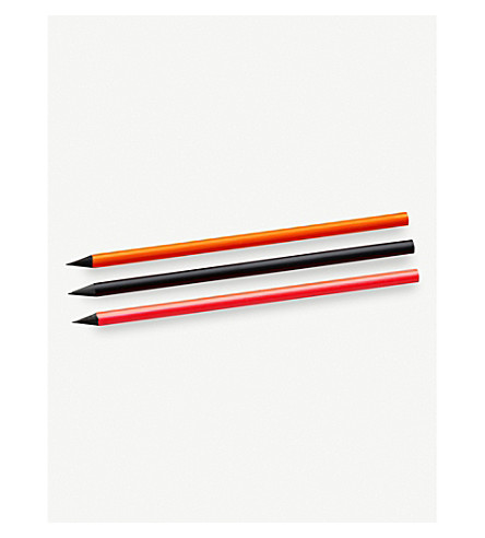 NOMESS Pencil set of three