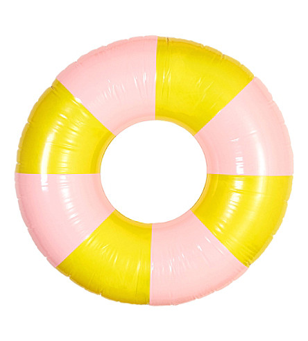 BANDO Float on giant innertube