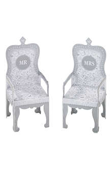 TALKING TABLES Mr and Mrs cupcake thrones