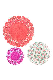 TALKING TABLES Floral doilies