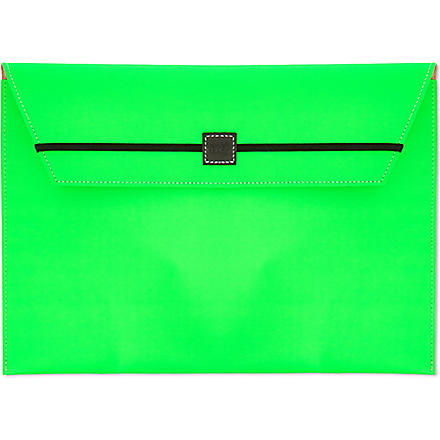 UNDER COVER Fluorescent envelope clutch