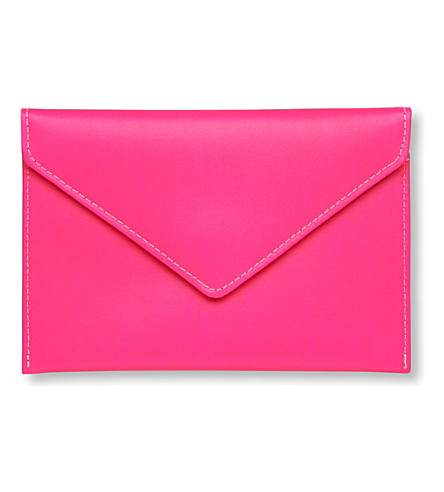 UNDER COVER Leather Kindle envelope