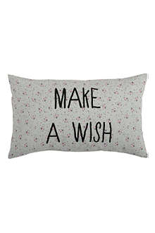 LA CERISE SUR LE GATEAU Paulette cushion cover