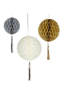 TALKING TABLES Honeycomb tassel decorations 3 pack