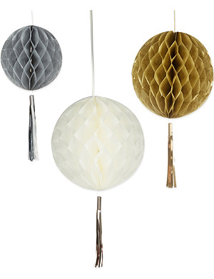 TALKING TABLES Honeycomb tassel decorations 3 pack