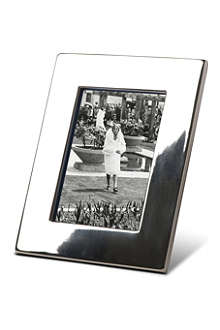 BASKERVILLE AND SANDERS Silver-plated classic photo frame 6