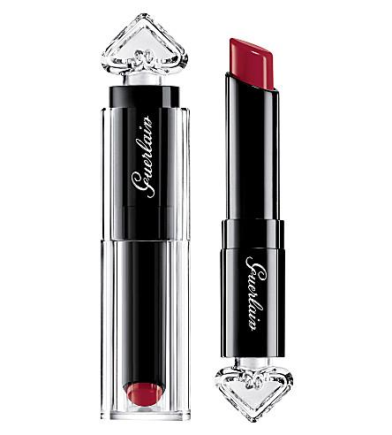 GUERLAIN La Petite Robe Noire lipstick (Ruby+ring