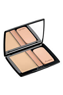 GUERLAIN Lingerie de Peau compact foundation and concealer